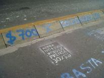 Pintada frente al diario La Nación. Foto: Colectivo de Trabajadores de Prensa