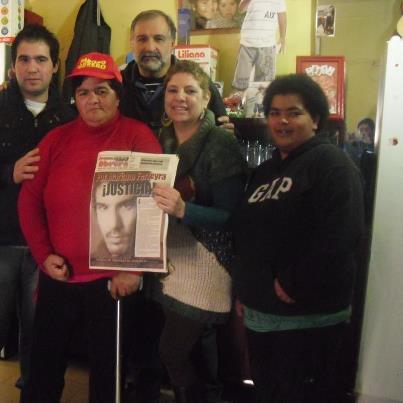 Foto de Elsa Rodríguez, junto con militantes que estuvieron en el ataque del 20 octubre. Elsa se está recuperando, todavía no puede hablar.