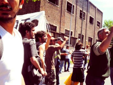 Foto inédita de Mariano Ferreyra, en aquel 20 de octubre del 2010, en Barracas. Gentileza Agustín Carucha Punk.