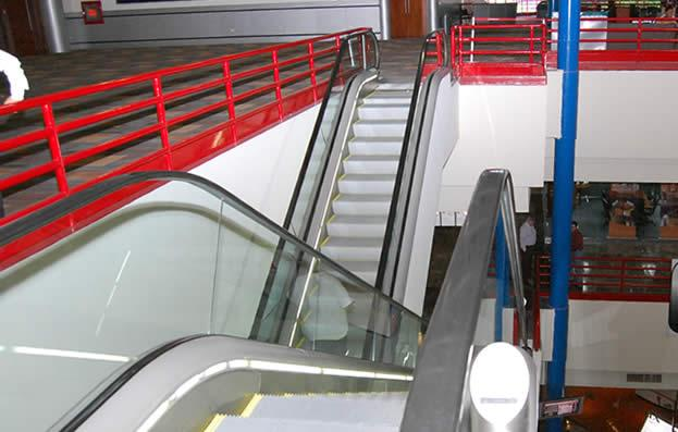 cintermex-escalera